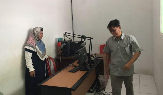 Komisi Penyiaran Indonesia Daerah (KPID) Jawa Tengah berkunjung ke studio Radio Rafi FM Brebes untuk verifikasi faktual, Senin (26/3/2018).